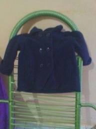 Título do anúncio: Vendo casaquinho de menina serve até 2 anos