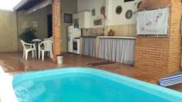 Título do anúncio: Casa à venda com piscina, possui 175m², 3 quartos no Jardim Santa Fé 2