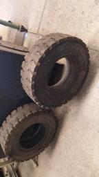 02 pneus empilhadeira ( veja fotos )