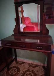 Penteadeira de Madeira Antiga com Espelho