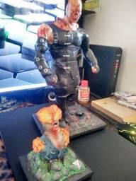 Esculturas The Last of Us e Resident Evil
