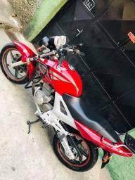 Vendo moto Twister ou faço rolo XRE vem na negociações
