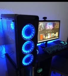 PC completo com teclado mecânico, mouse, headset e monitor