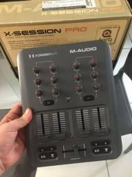 Título do anúncio: Controladora Midi M-Audio X-Session Pro DJ Mixer
