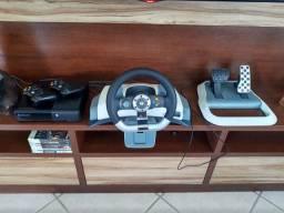 Xbox 360 Super Slim, 2 controles, jogos e volante