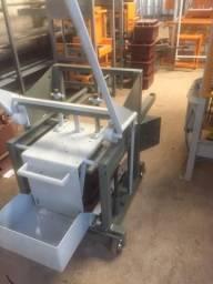 Maquina poedeira para fazer blocos de concreto (Mini poedeira)