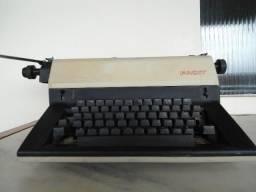 Máquina De Escrever Antiga - Olivetti Linea 88