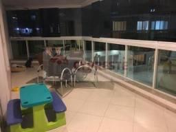 Apartamento à venda com 4 quartos, na Praia da Costa. Ref. 10810