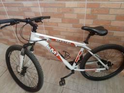 Vendo ou troco Bike aro 26 semi nova toda revisada