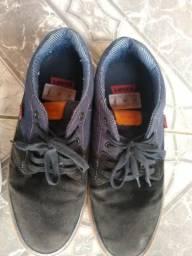 Sapatos usado