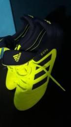 Chuteira Adidas n 41