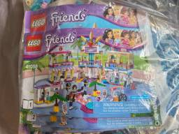 Lego friends shopping