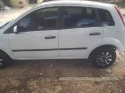 """Fiesta Hatch 4p"""" vídeo dele via zap"""