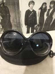 Óculos I.D ( importado) proteção UV 400 ,grande e estiloso