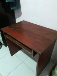 Mesa de madeira 60$