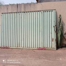 Título do anúncio: Portão usado boas condições tem que desempenar