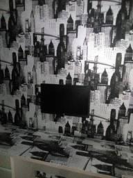 Aplicação de papel de parede e tecidos