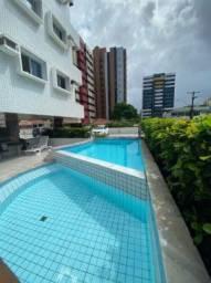 Apartamento com móveis planejados e suíte localizado na Ponta Verde