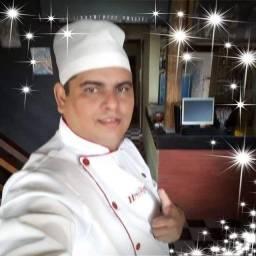 A procura de emprego de cozinheiro ou auxiliar de cozinha
