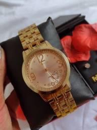 Relógio feminino modelo romântico