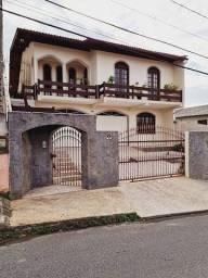 Título do anúncio: Capoeiras Linda residência 2 pisos com amplo quintal na Rua Irmã Bonavita