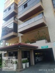 Apartamento 3 quartos (1 suíte com armários), salão em 2 ambientes, varanda, banheiro soci