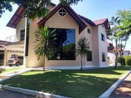 Título do anúncio: Casa de condomínio para venda possui 394 metros quadrados com 6 quartos em Parque Verde -