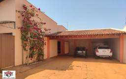 Aluga - se Casa bairro Moises Miguel Haddad