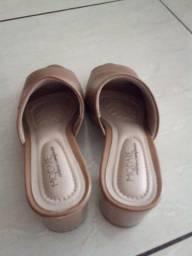 Vende_se esse sapato modare