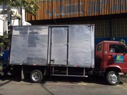 Manaus frete e mudanças caminhão baú é camionete disponível ?
