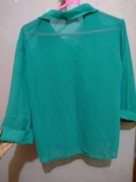 Blusa social verde da C&A.