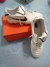 Chuteira Nike Tempo Natural III FG (Futebol de Campo ou Americano)