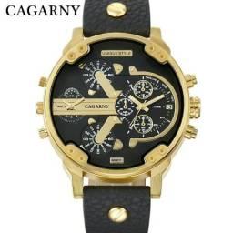 973c71f772a Relógio japonês pesado em aço inox importado de luxo