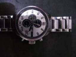 308bbfd5bd2 Relógio da Tommy 100 reais pra vender logo