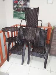 Cadeira de balanço Macarrão, Vime e Cadeira Fixa