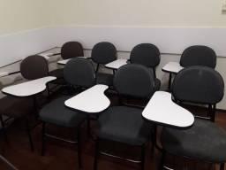 Cadeiras escolares com apoio