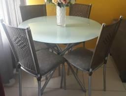 Conjunto de mesa Cromada com Tampo de Vidro de 90 CM