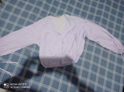 Blusa lilás com bolinha