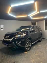 Toyota Hilux SW4 2.8 SRX -16V -KM:45.000- 4x4 -7 lugares - Diesel - Aut