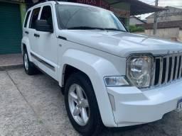 Jeep Cherokee baixa km