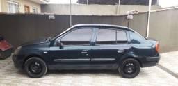 Título do anúncio: Renault Clio Sedan 2004 R$ 7.500,00