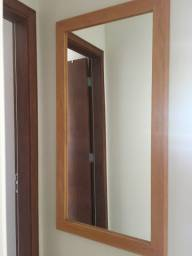 Espelho de madeira