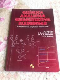 Livro de Química.