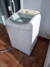 Máquina de lavar funcionando