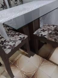 Vende se uma linda mesa 400 reais