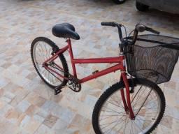 Bike com cestinha semi nova pneus novos