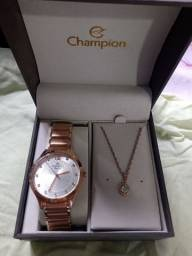 Relógio e colar da Champion