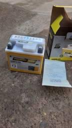 Bateria de Moto Nova sem uso  pra moto  150