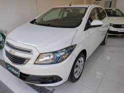 Chevrolet Onix Lt, Ano 2014, Motor 1.4 com Mylink, km 98.000