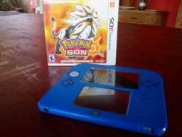 Nintendo 2ds com jogo Pokemon Sun em Mídia Física e Mario kart 7 em midia digital